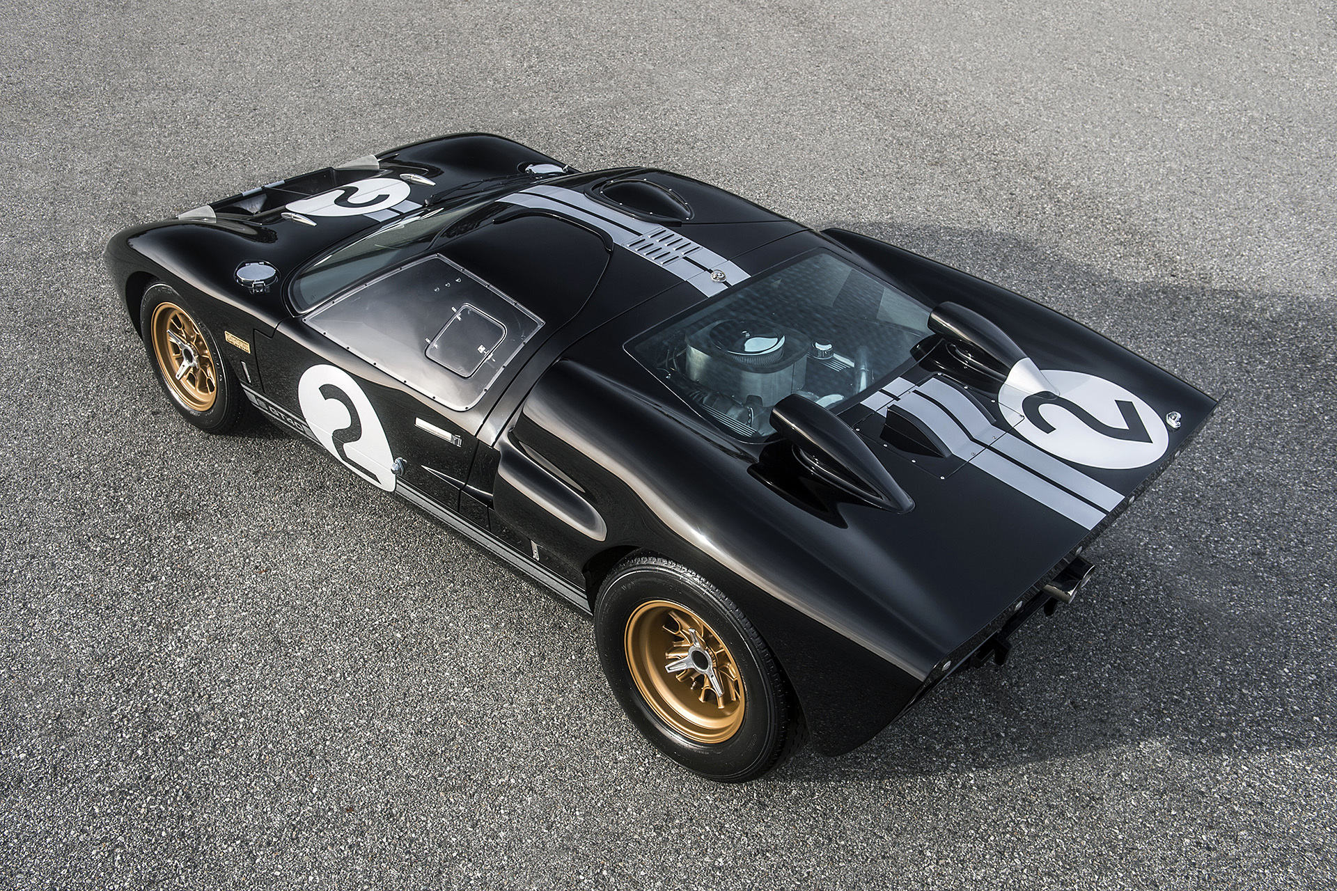 Stylový Ford GT40 50th Anniversary Edition