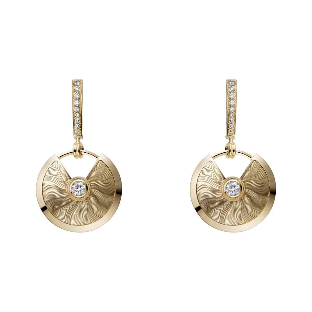 Amulette de Cartier earrings, small model, yellow gold, diamonds
