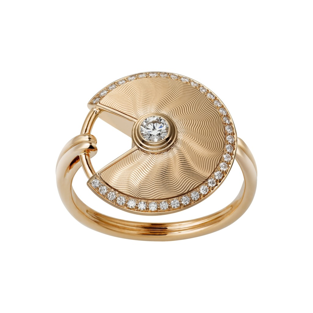 Amulette de Cartier ring, small model, pink gold, diamonds