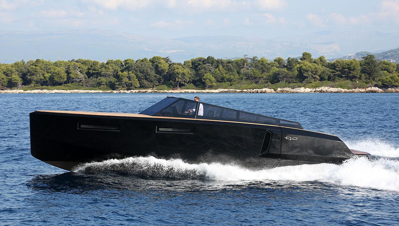 Luxusní člun Evo 43