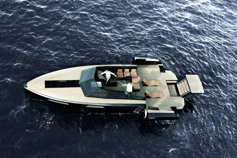 Luxusní jachta EVO 43
