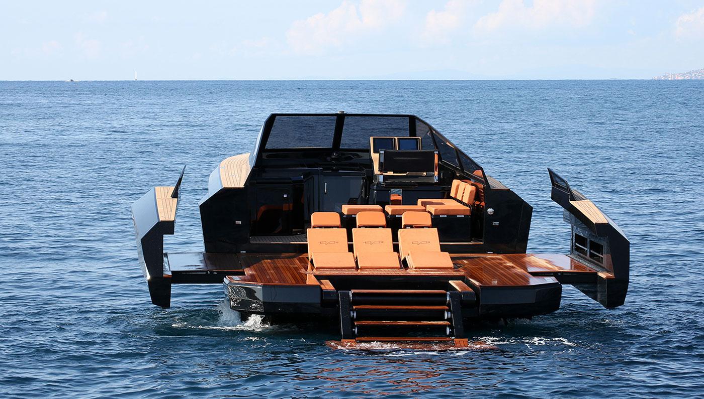 Luxusní loď Evo 43