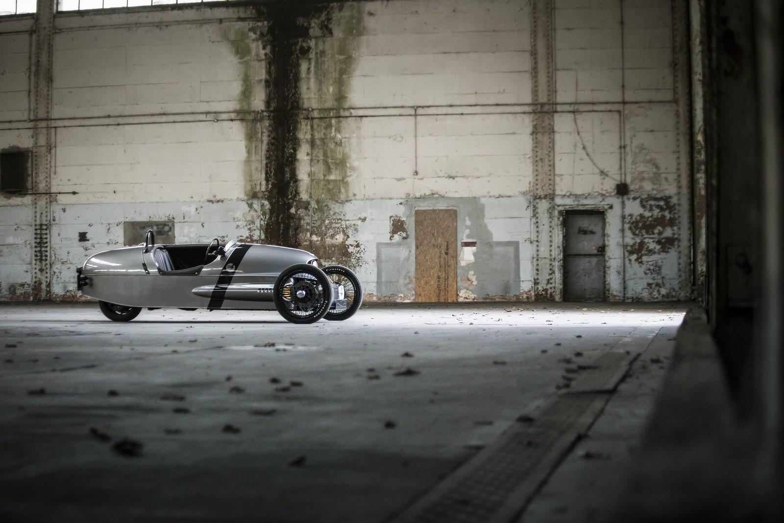 Morgan EV3 luxusní elektromobil