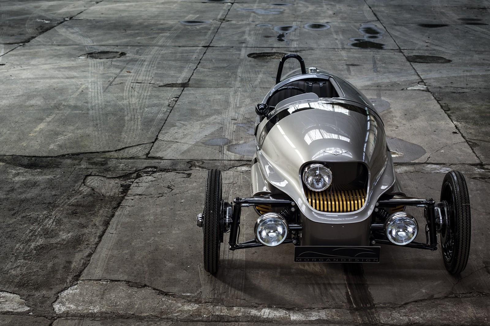 Stylový elektromobil Morgan EV3