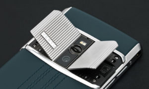 luxusni-mobilni-telefon-vertu-signature-touch-teal-fluted-edition