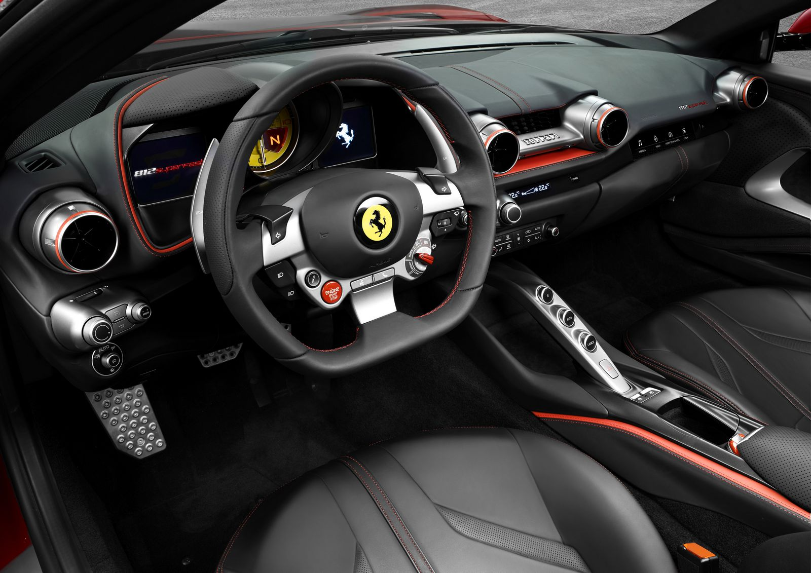 ferrari-812-superfast-interier