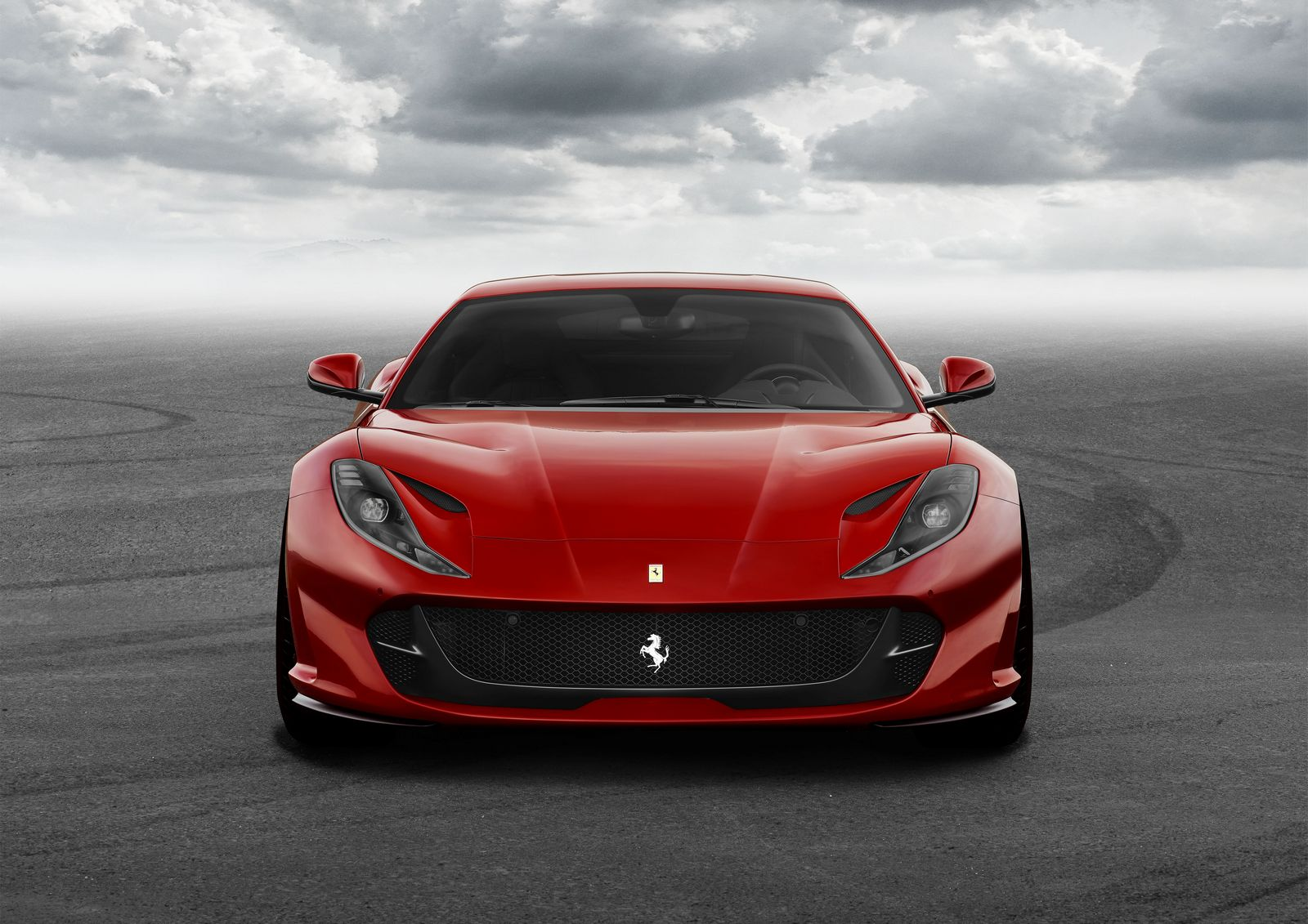 luxusni-ferrari-812-superfast