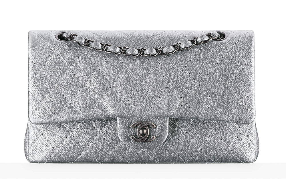 chanel-classic-flap-bag-bilostribrna