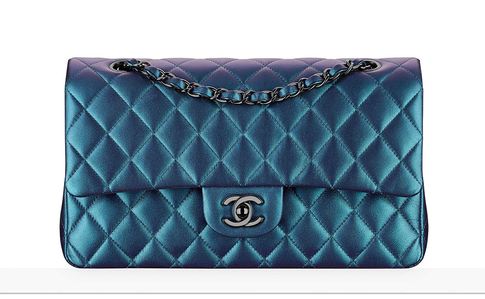 chanel-classic-flap-bag-neonova