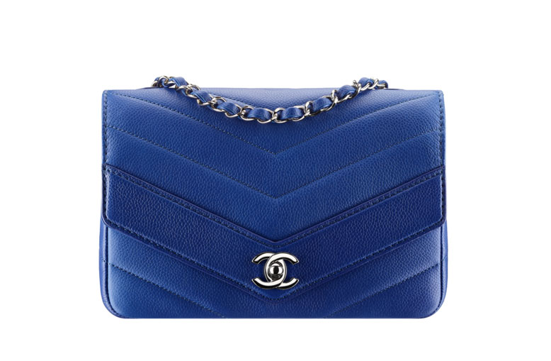 chanel-flap-bag-blue-34-92