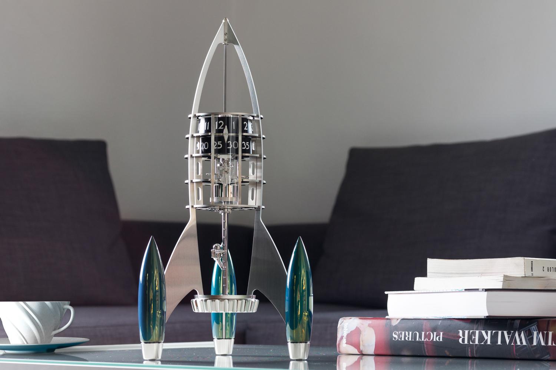 luxusni-stolni-hodiny-mbf-destination-moon-in-situ
